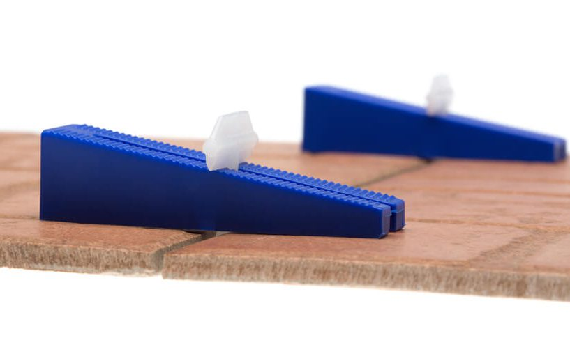 tile levelling clip and wedge