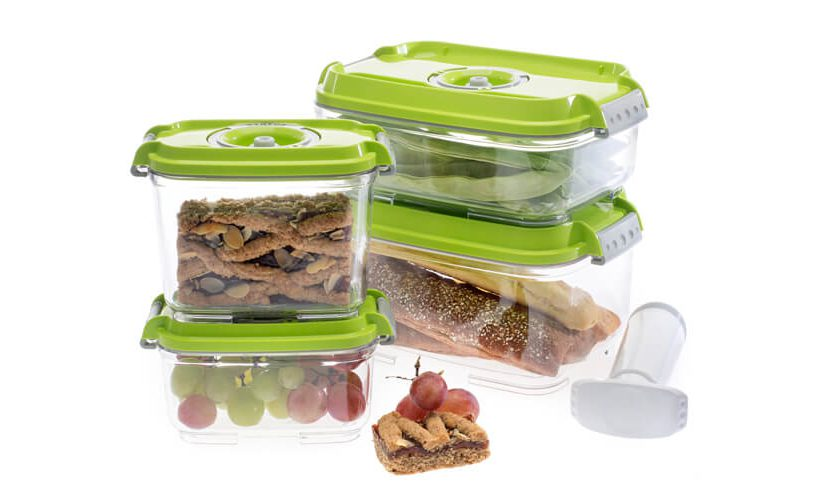 set of vacuum food containers