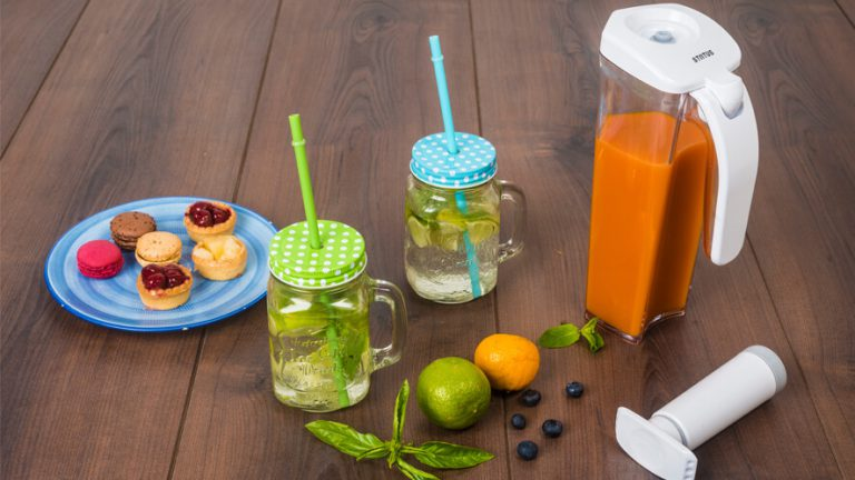 vacume jug for storing juice