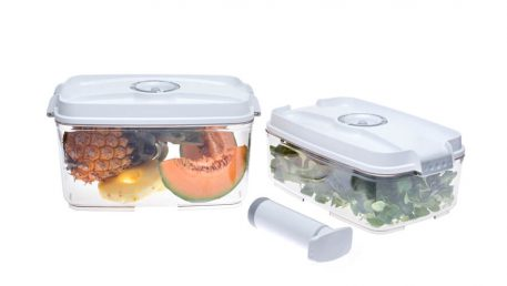 food containers for storing salad and fruit